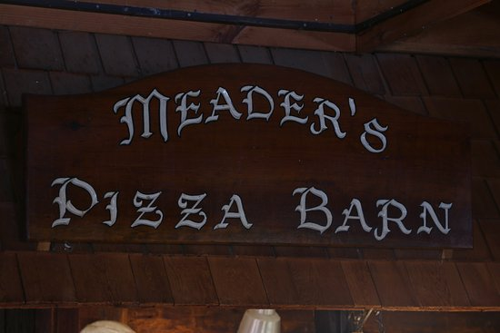 Center Ossipee, NH: Meader's Pizza Barn