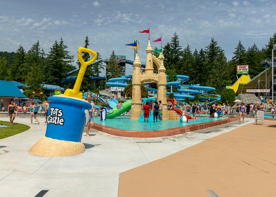 Chilliwack, Canada: The newly improved Tots Castle is the perfect place for little ones to get acquainted with water
