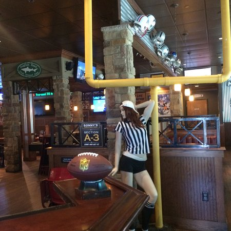 Uniontown, PA: Sonny's Sports Bar & Grill