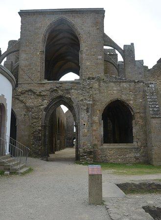 Saint-Mathieu, France: le rovine
