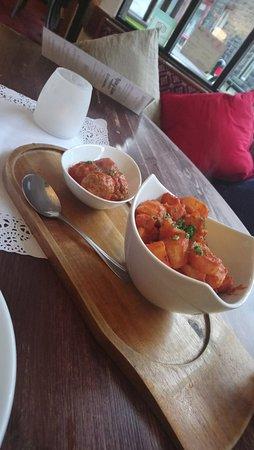 Tafarn y Gader Tapas, Bistro & Bar: Lamb meatballs and patatas bravas