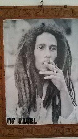 Bob Marley Experience: MONEY CAN'T BUY LIFE