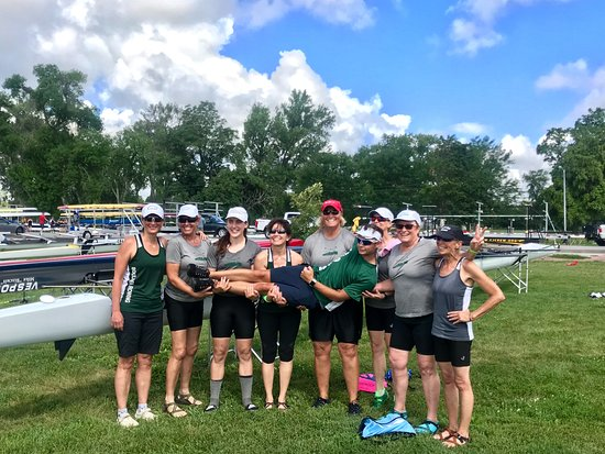 Carter Lake, IA: Women's 8 and our cox took 2nd in our event