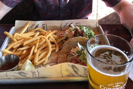 Imperial Beach, CA: Tacos with fries