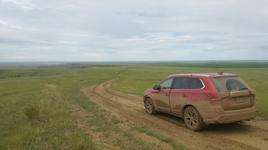 4ac2fed5c3df9 Saskatchewan Photo  Two days after a shower the mud is REALLY sticky and  like driving on ice