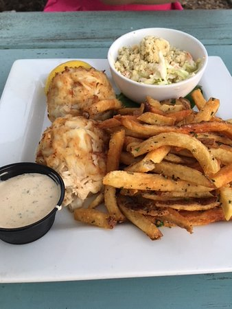 Arnold, MD: Crab cake with Blue Cheese Cole Slaw