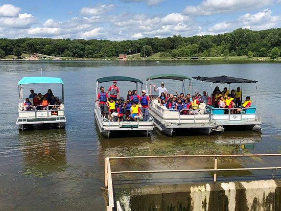 Macomb, IL: Beautiful lake tour booked for 40 through Spring Lake Management!