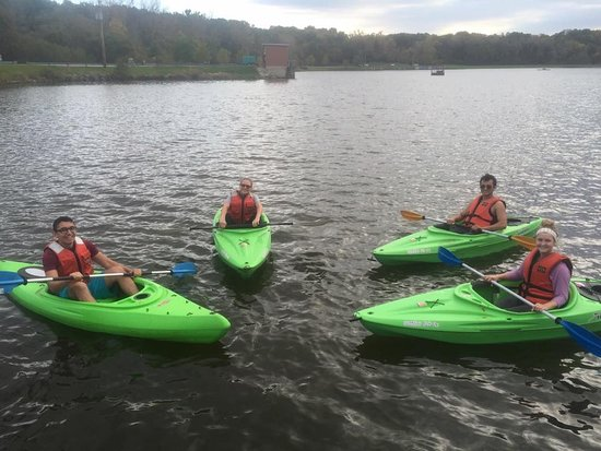 Macomb, Ιλινόις: kayaks, peddle kayaks, paddle boards, paddle boats, canoes.  They got it all!