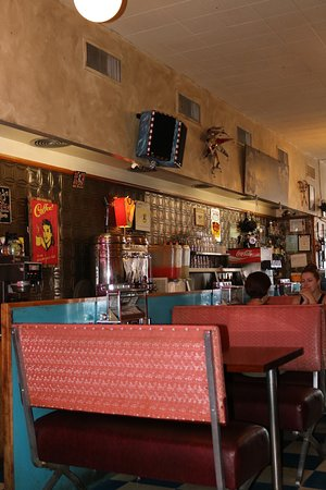 Dadeo Diner and Bar: Interior