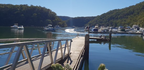 Berowra Waters, Australie : View from the table at lunch on a beautiful winters day.
