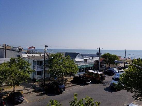 Beach View Motel: 20180717_072428_large.jpg