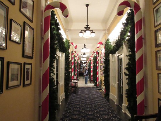 Congress Hall : The hallway decorated for Christmas.