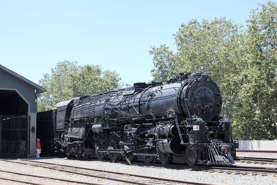 California State Railroad Museum: Steam locomotive under restoration