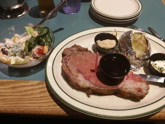 Ruby's Inn Cowboy's Buffet and Steak Room: Prime Rib. $29.90 + Menubüchsensalat