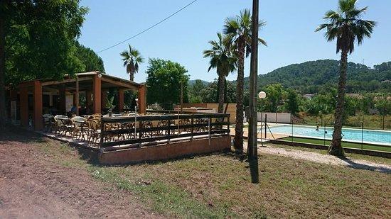 Pierrefeu-du-Var, Frankreich: notre nouvelle terrasse !! avec accès piscine pour les clients (sous certaines conditions)