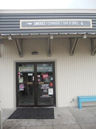 Umekes Fishmarket Bar & Grill: entrance