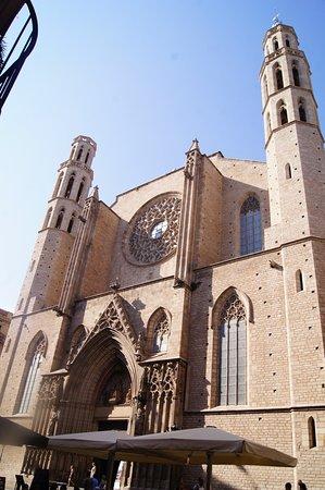 มหาวิหารเซนต์แมรีออฟเดอะซี: Basilica de Santa Maria del Mar