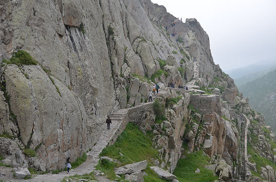Kaleybar, Iran: hiking path to Babak fort
