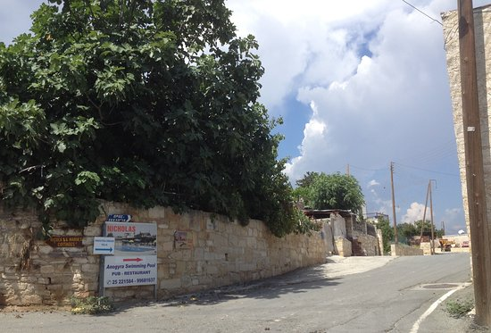 Anogyra, Cyprus: Nicholas restaurant indication