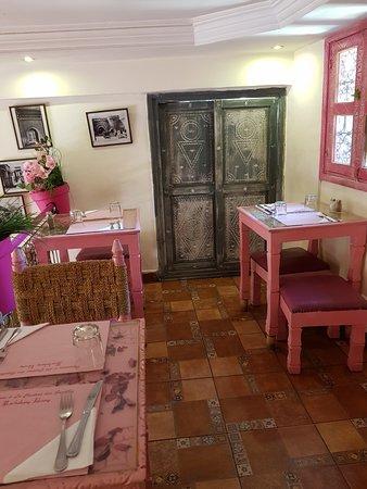 sala da pranzo - Picture of La Cantine Des gazelles, Marrakech ...