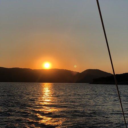 Yuzyıl Gezi Teknesi