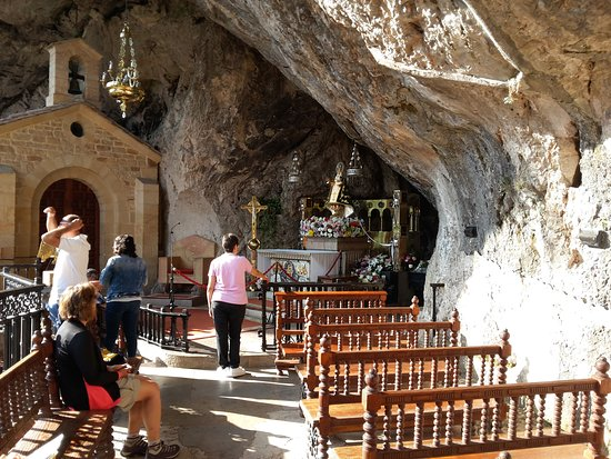 Covadonga, Spanyol: Cueva