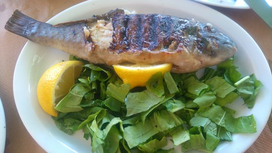 Mandraki, Greece: Grilled fish