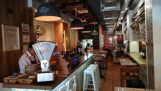 La Terreta Gastrobar: the bar