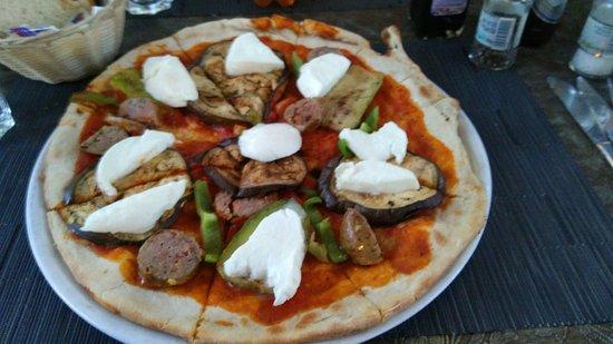 Il-Terrazzo: Pizza Special Terrazzo