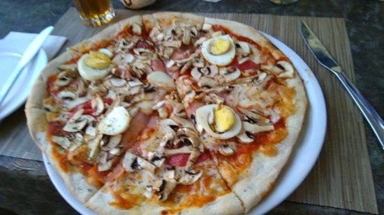 Il-Terrazzo: Pizza Capricciosa