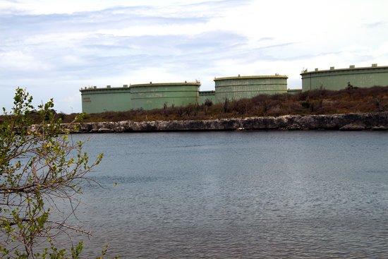 Lake Gotomeer : BOPEC oil terminal overlooking the lake