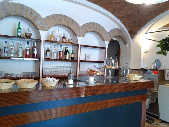 Mornese, Italia: bar