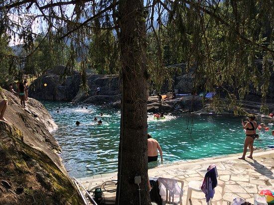 Les Marecottes, Swiss: pool