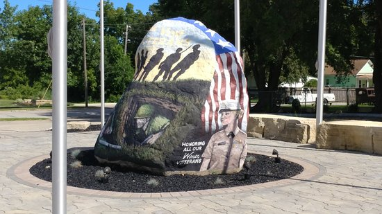 Menlo, IA: Freedom Rock in Sac City, IA
