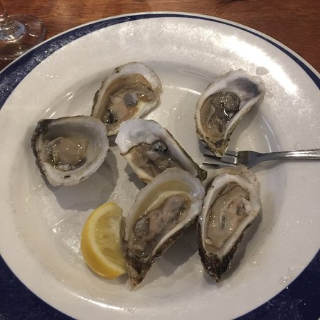 Blue Pointe Oyster Bar & Seafood Grill Image