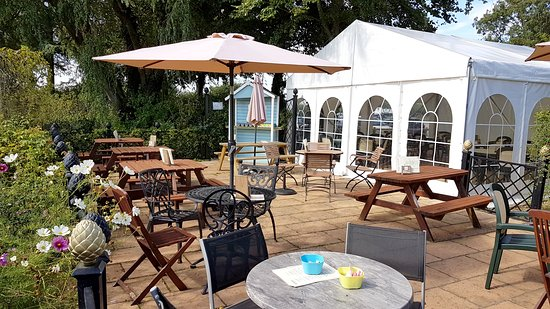 Attleborough, UK: Tea Room patio area and marquee