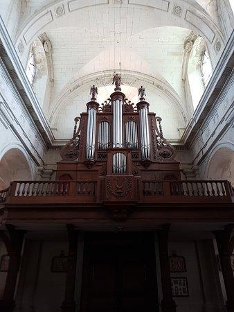 Eglise Notre Dame: Orgue de l'église