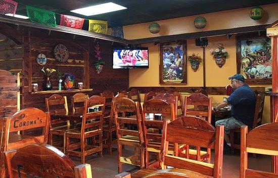 Coronas Mexican Restaurant: Restaurant Interior