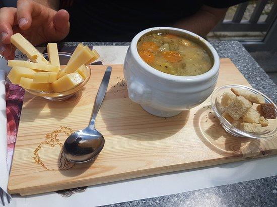 Bourg Saint Pierre, Suíça: Soupe aux légumes avec du fromage