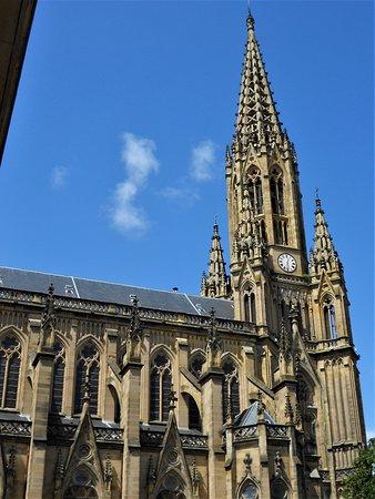 Buen Pastor Cathedral : Neogótico con detalles