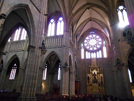 Buen Pastor Cathedral : Ventanas y colores