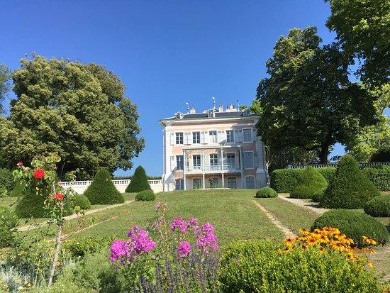 Chateau de Voltaire: le château de Ferney Voltaire