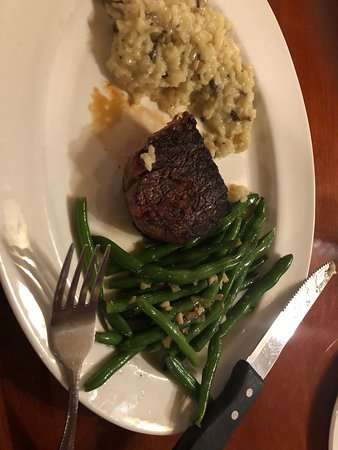 Hilton Garden Inn at PGA Village / Port St. Lucie : Filet Mignon with Risotto and Green Beans