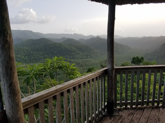 Sleeping Giant Rainforest Lodge: Gazebo at the top of the mountain