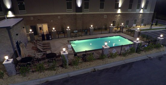 Benson, NC: Private and inviting pool