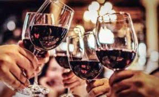 Sainte-Cecile, Francia: Wine  sharing