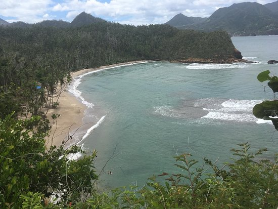 Saint Andrew Parish, Dominica: A picture from above (en route to the beach)