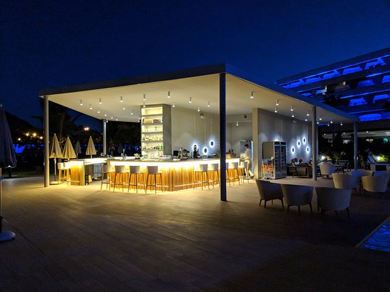 Radisson Blu Resort And Spa - Gran Canaria Mogan: Pool Bar