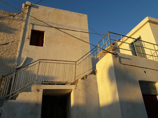 Tourloti, Grecja: ενα όμορφο χωριο για βολτα κ εχει κ ενα φούρνο στην εισοδο με το καλύτερο παξιμαδι της κρητης. κ