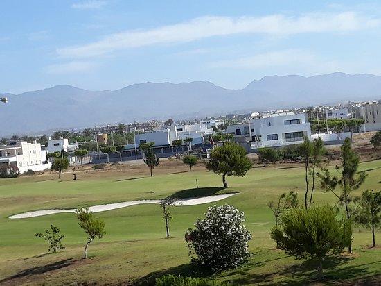 Retamar, Испания: Campo de Golf desde Terraza habitación.